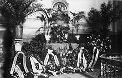 Arkivyskupo Jurgio Matulaičio kapas Marijampolės Šv. arkangelo Mykolo bažnyčios koplyčioje po perkėlimo 1934 m.